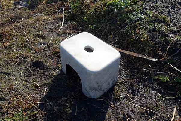 畑の座り作業にお風呂用の椅子